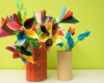 Papierblumenstrauß, gefertigt im Kreativbereich des Projekts Perspektive